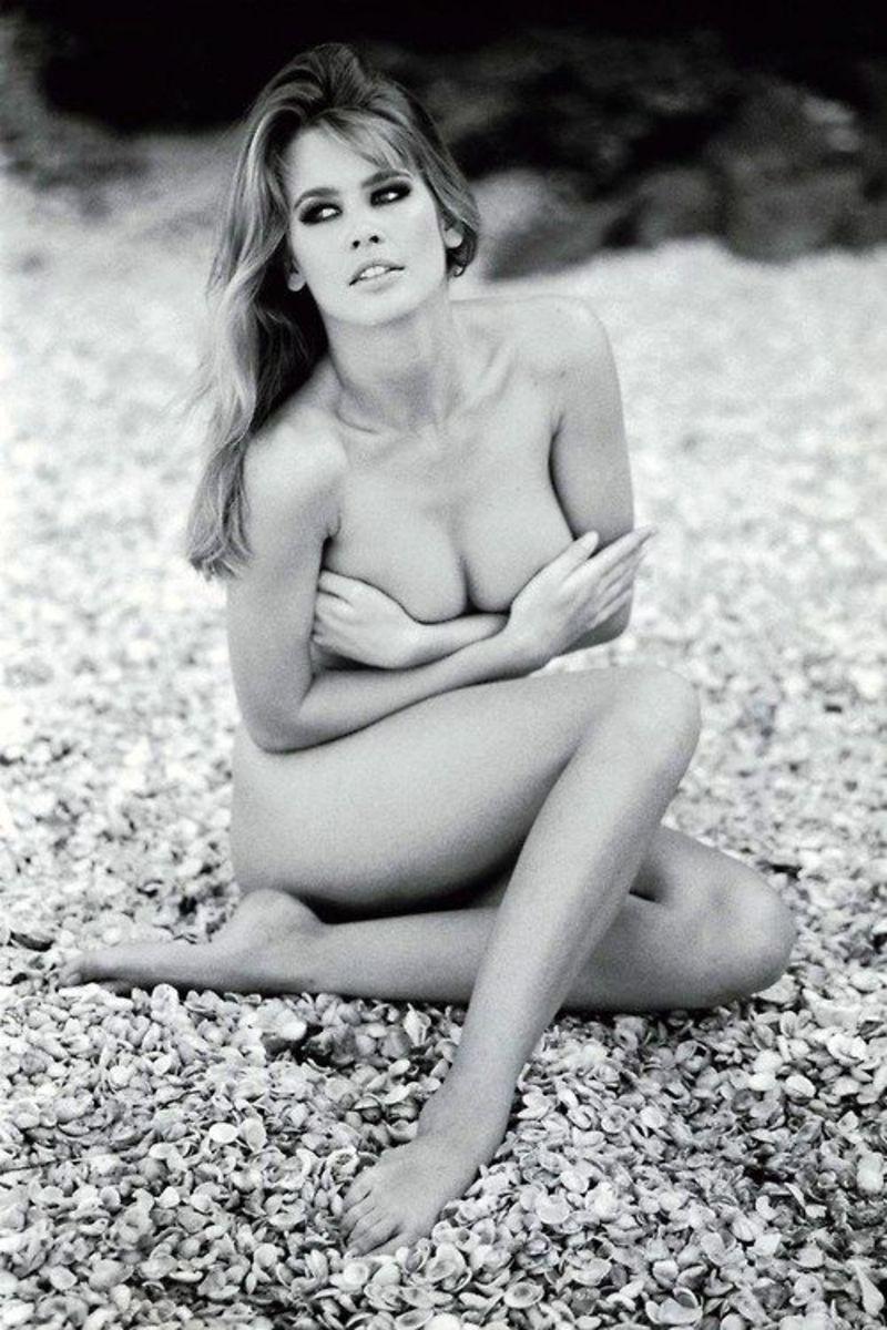 Claudia Shiffer Nude 70